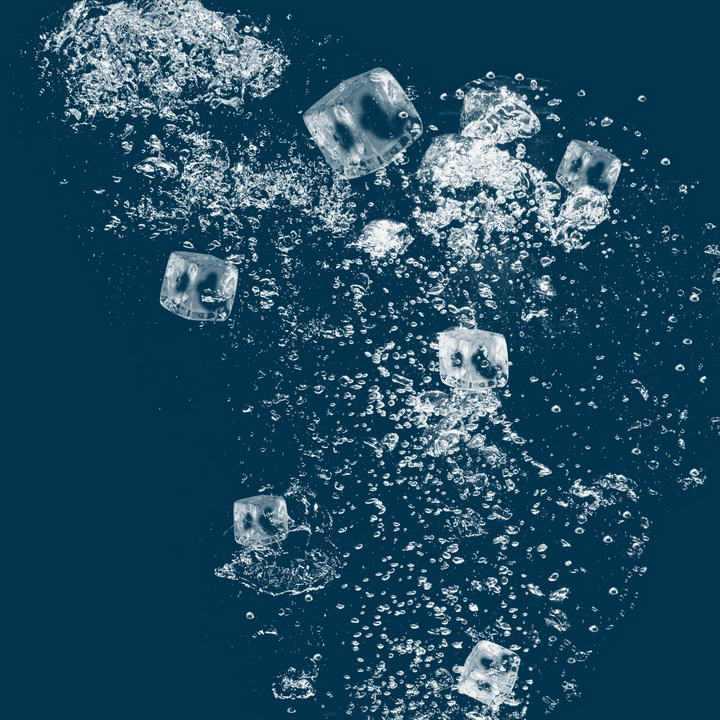 水中的冰块水花效果图片免抠素材