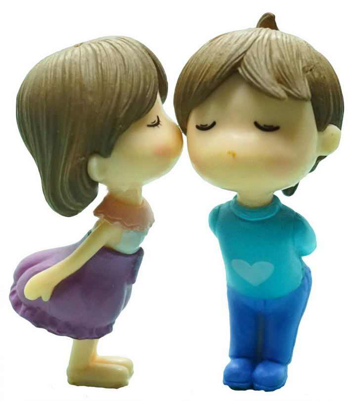 卡通可爱橡皮泥雕刻亲吻的男孩女孩情人节爱情图片免抠素材