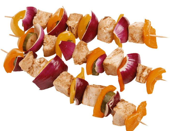 三串烤肉串鸡肉和洋葱美食图片免抠素材