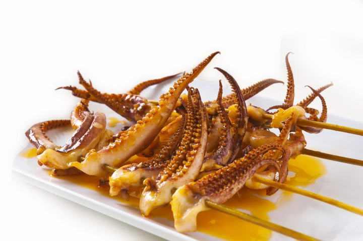 美味的烤鱿鱼串鱿鱼须小吃烧烤美食图片免抠素材