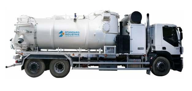 白色槽罐车油罐车危险品运输卡车侧视图674184png图片素材