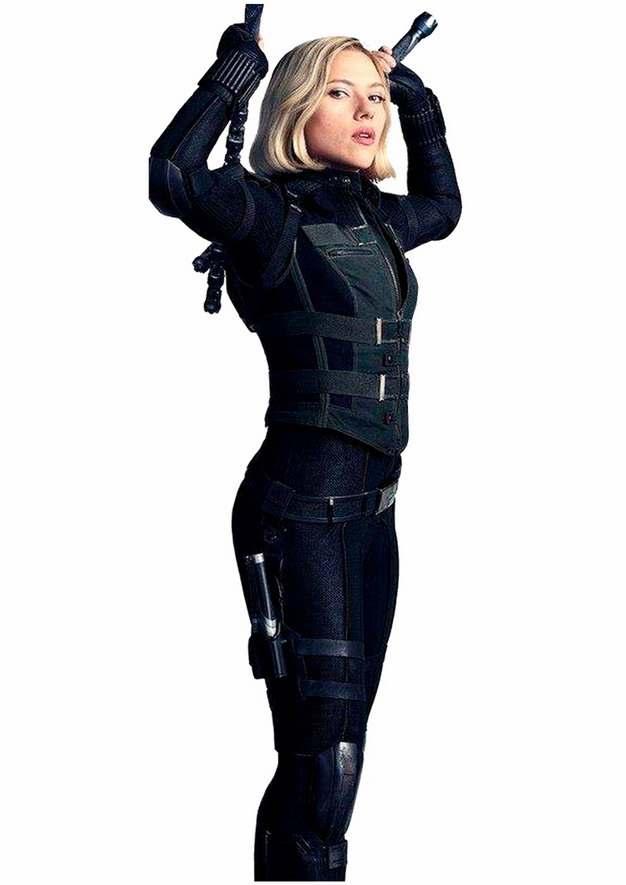 黑寡妇背着双节棍png免抠图片素材