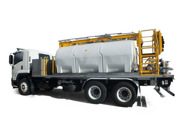 自卸功能槽罐车油罐车危险品运输卡车特种运输车277221png图片素材