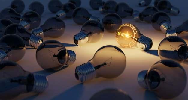 一堆电灯泡中的发光灯泡图案psd样机图片模板素材