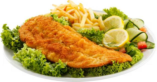 盘中的炸鸡排炸鸡胸肉和薯条蔬菜色拉139495png图片素材