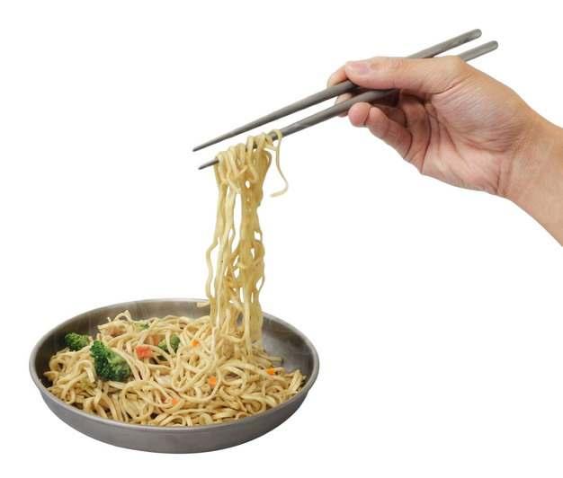 筷子叉起来的面条拌面美食216875png图片素材