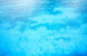 蔚蓝色的海水背景图片314461