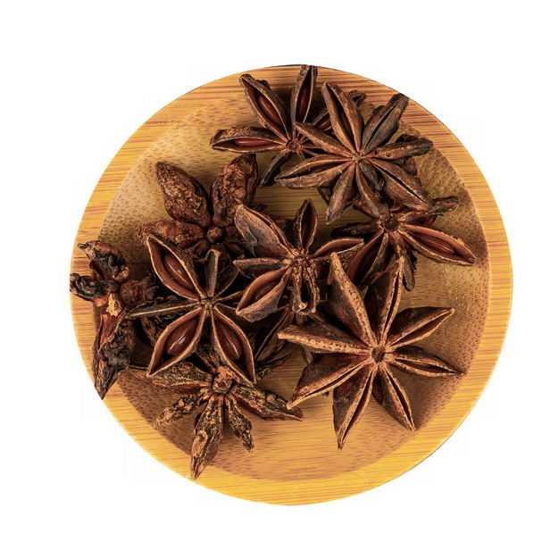 俯视视角木盘子中的八角茴香调味品香料3758914png图片免抠素材