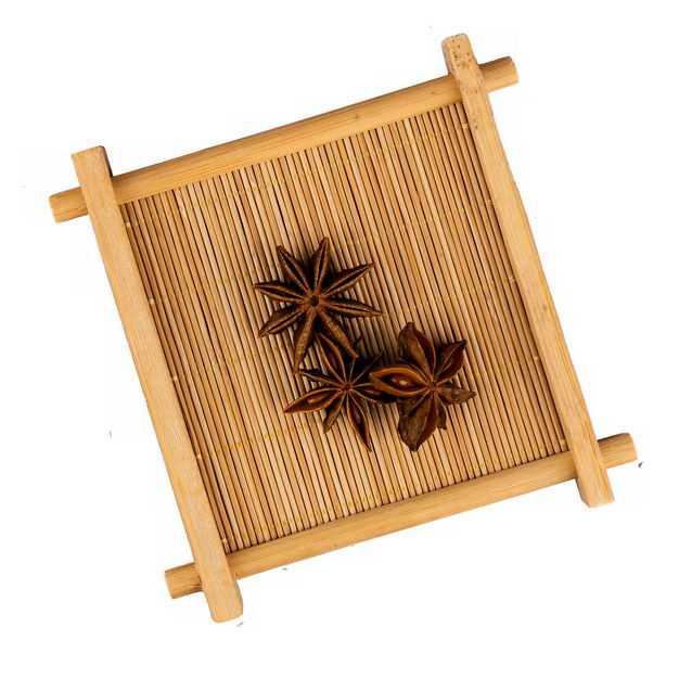 俯视视角木盘子中的八角茴香调味品香料4395978png图片免抠素材