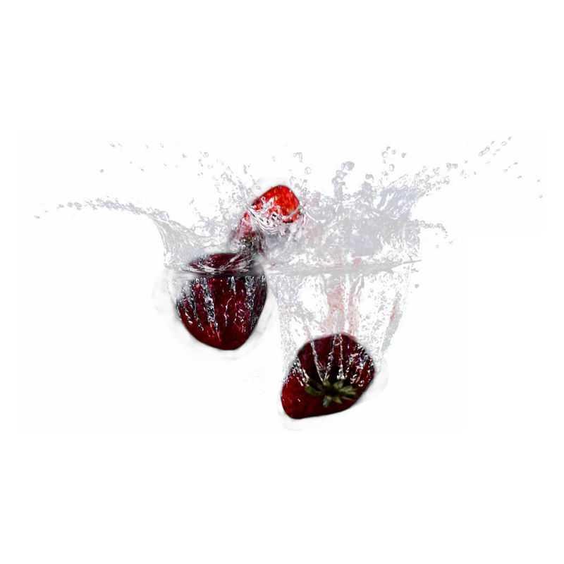 草莓掉落水中飞溅起来的半透明水花浪花水效果1651624png图片免抠素材