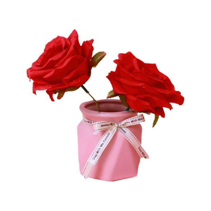 粉色花瓶中的2朵红色玫瑰花插花艺术7900720png图片免抠素材