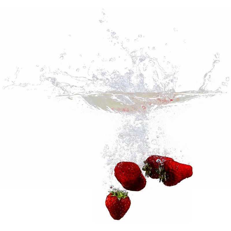 草莓掉落水中飞溅起来的半透明水花浪花水效果7942542png图片免抠素材