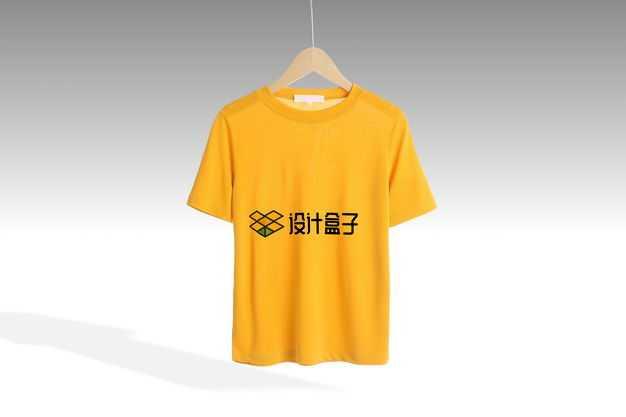 衣架子上的黄色T恤服装logo显示样机3200446免抠图片素材