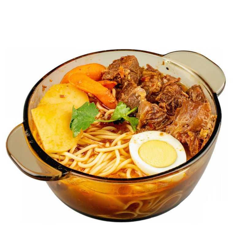 玻璃碗中的红烧牛肉面加土豆加鸡蛋加胡萝卜酱牛肉美味美食6687899png图片免抠素材