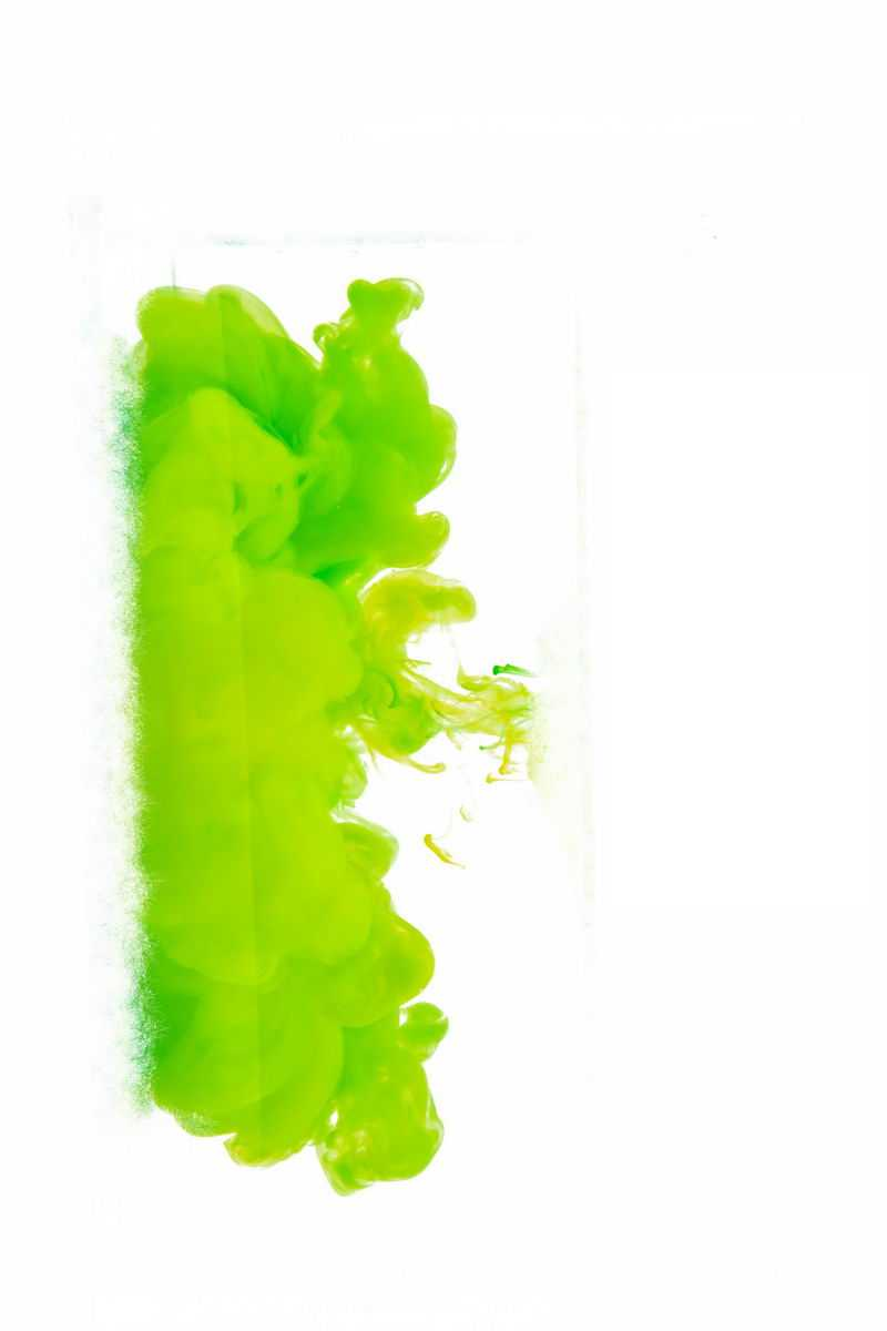 绿色的水中的彩色涂料效果6198312png图片免抠素材