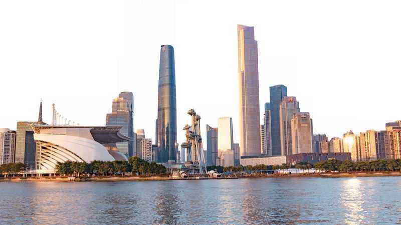 阳光照射下的广州城市CBD商务中心的高楼大厦1956169png免抠图片素材