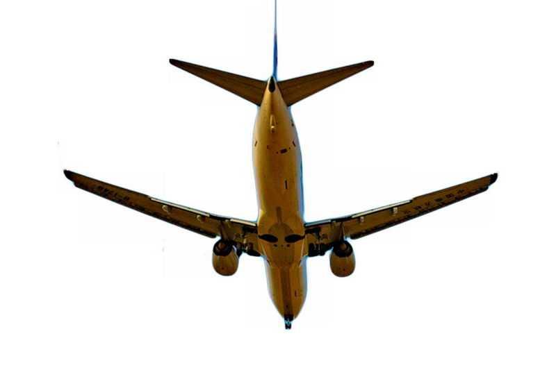 头顶飞过的大型客机飞机4276752png免抠图片素材