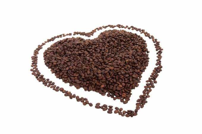 很多咖啡豆组成的心形图案6719716png免抠图片素材