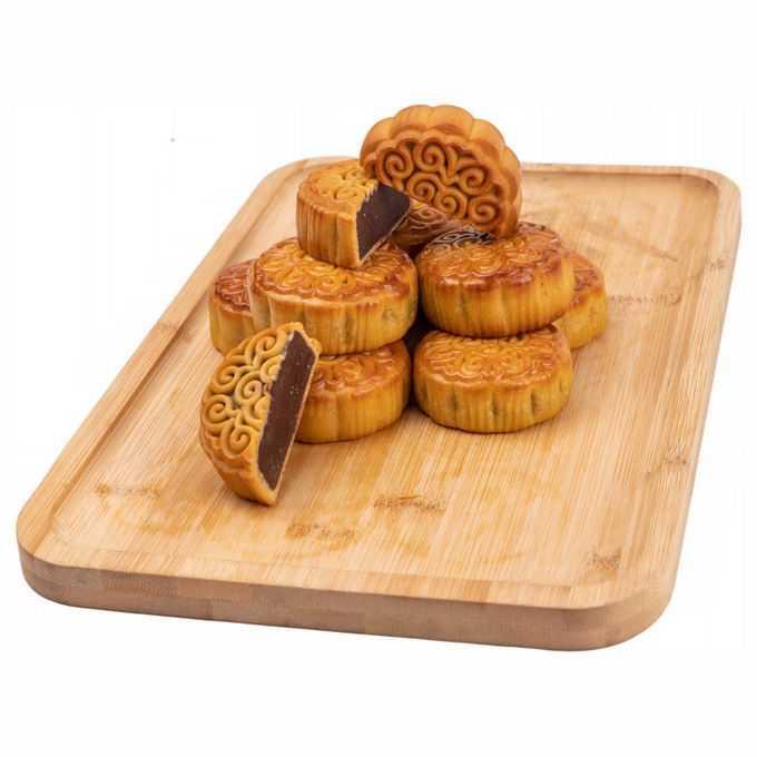 木头砧板上的豆沙月饼中秋节美食8378355png免抠图片素材