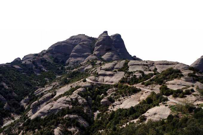 一座光秃秃的石头山和山间的森林6627554png免抠图片素材