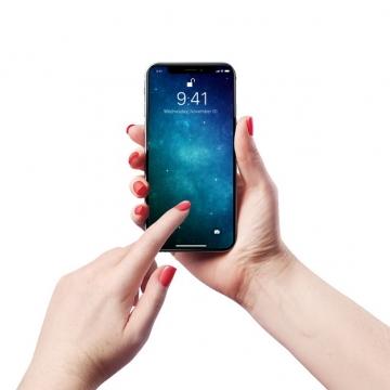 双手操作的手机显示样机764318图片素材