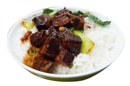 一碗白米饭上加了红烧肉和青菜png图片免抠素材