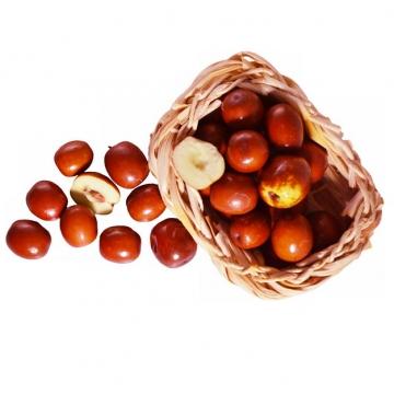竹篮中切开的红枣露出枣核和果肉671946png免抠图片素材