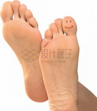 双脚脚掌和脚趾上的笑脸图案png免抠图片素材