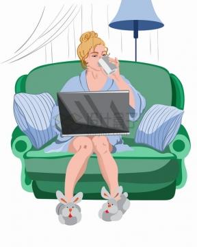 坐在沙发上喝水玩电脑的美女插画png图片素材